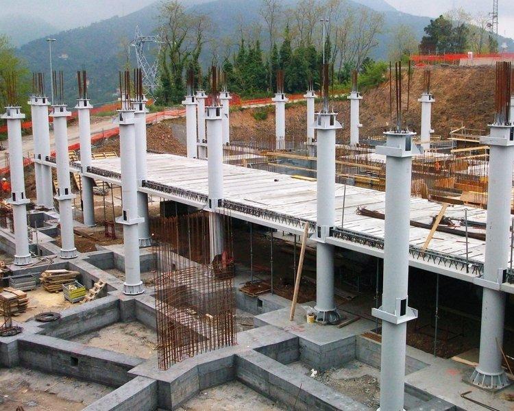 Pilastri in acciaio tipologie tecnostrutture for Piani di costruzione di edifici residenziali in metallo